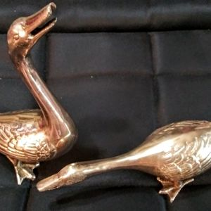 VTG PAIR OF SOLID BRASS GEESE